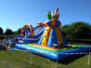 Zabawy dla dzieci na festynie